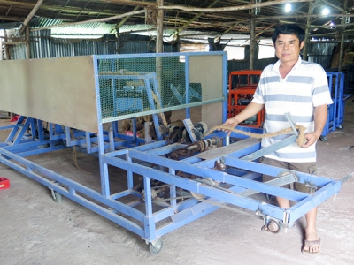 Barefoot engineer Le Van Liem: Successfully manufacturing unconnected ropes